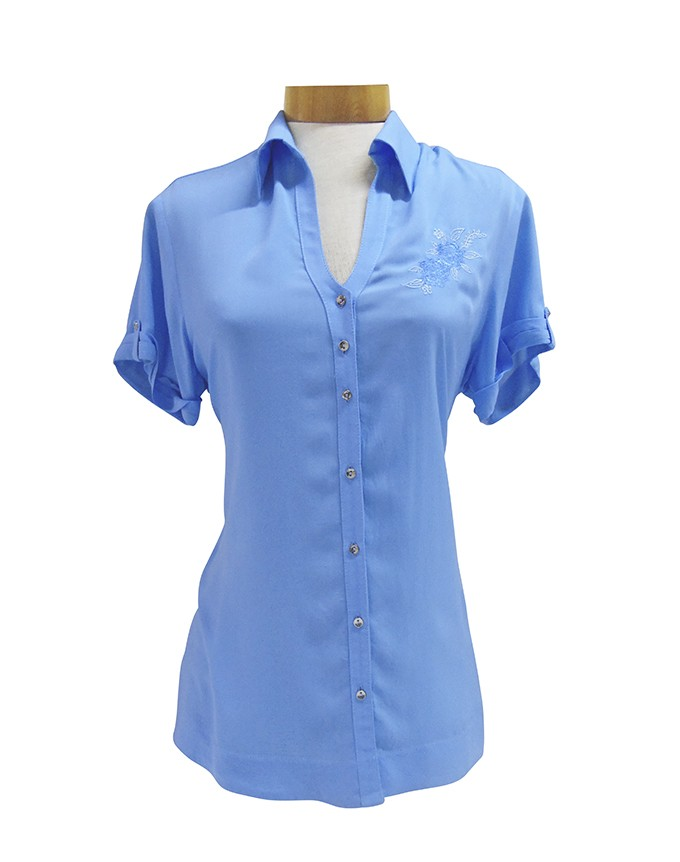 Blusa camisera con bordado